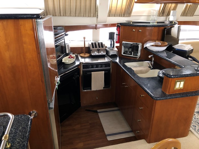 2000 Carver 506 Motor Yacht Photo 16 of 56