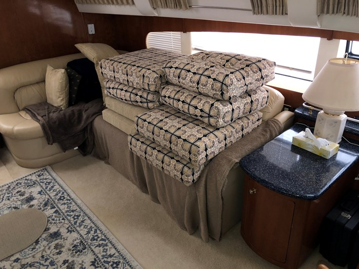 2000 Carver 506 Motor Yacht Photo 18 of 56