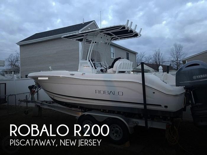 2017 Robalo R200 Photo 1 of 20