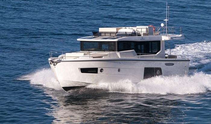 2015 Cranchi Eco Trawler 43 longue distance Photo 2 of 17