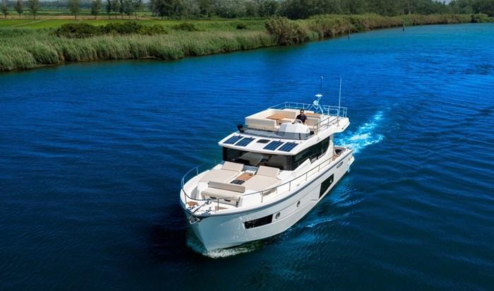 2015 Cranchi Eco Trawler 43 longue distance Photo 10 of 17