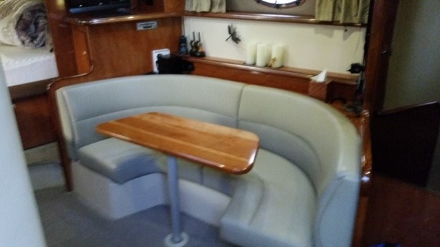 2006 Cruisers Yachts Express 320 Photo 15 sur 33
