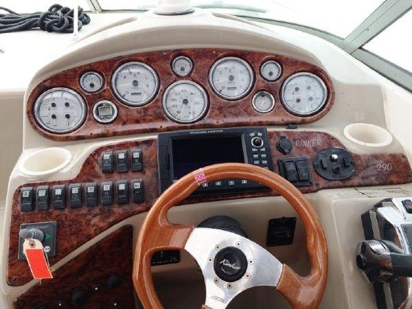 2003 Rinker 290 Fiesta Vee Photo 7 of 15