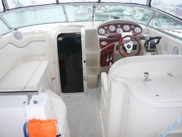 2003 Rinker 290 Fiesta Vee Photo 8 of 15