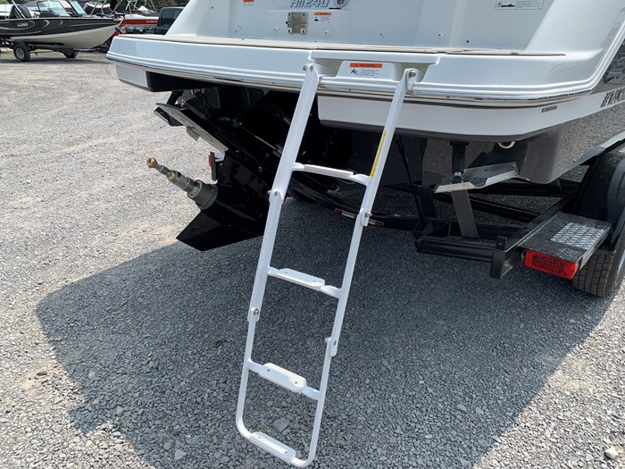 2020 Four Winns HD 240 Mercruiser 6.2L B3 00HP Tandem Trailer Photo 31 of 32