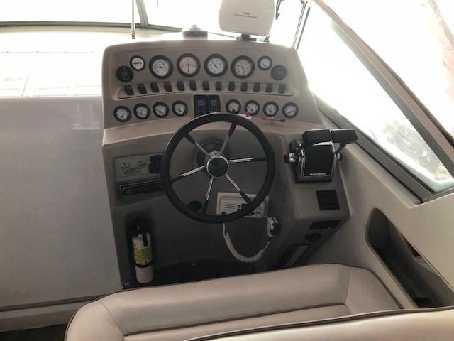 1994 Thundercraft 350 Express Photo 9 of 32