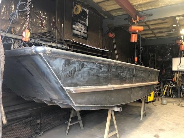 2020 17' x 5'6 Steel Work Boat Photo 7 sur 10