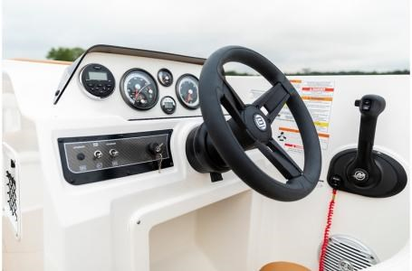 2019 Bayliner DX2050 Photo 13 sur 23