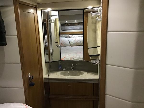 2001 Bayliner 4087 Aft Cabin Motoryacht Photo 17 of 27
