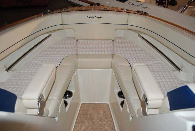 2020 Chris-Craft LAUNCH GT 25 MG STERN DRIVE Photo 6 sur 8