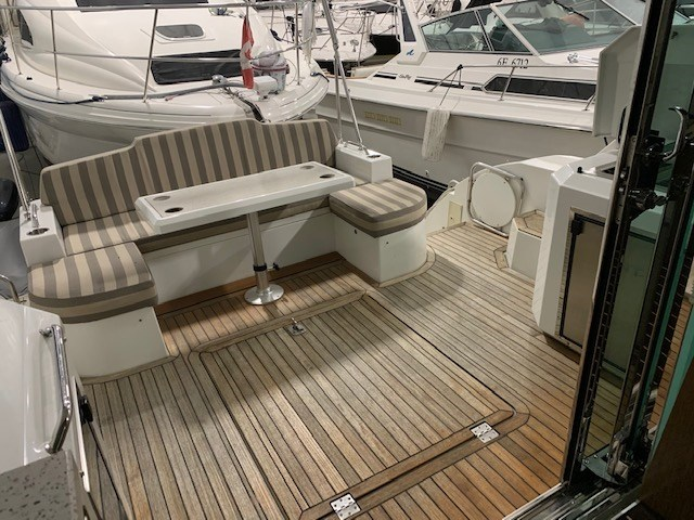 2011 Cruisers Yachts 48 Cantius Photo 31 of 46