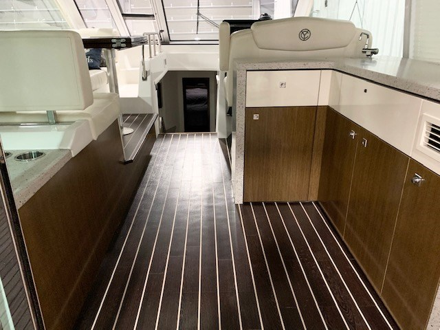 2011 Cruisers Yachts 48 Cantius Photo 32 of 46