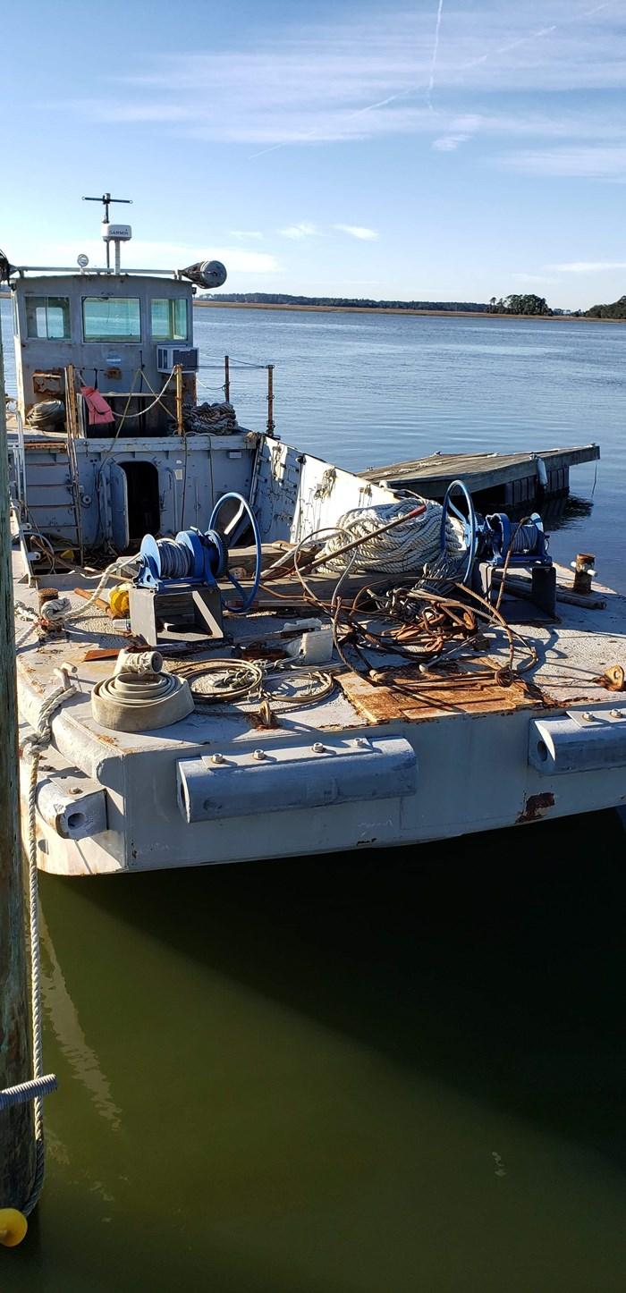 1987 1987 50′ x 14′ x 3′ Steel Work Boat/Cargo Tug - NEW PRICE Photo 4 sur 27