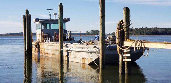 1987 1987 50′ x 14′ x 3′ Steel Work Boat/Cargo Tug - NEW PRICE Photo 1 sur 27