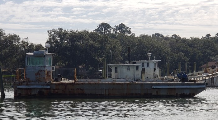 1987 1987 50′ x 14′ x 3′ Steel Work Boat/Cargo Tug - NEW PRICE Photo 2 sur 27
