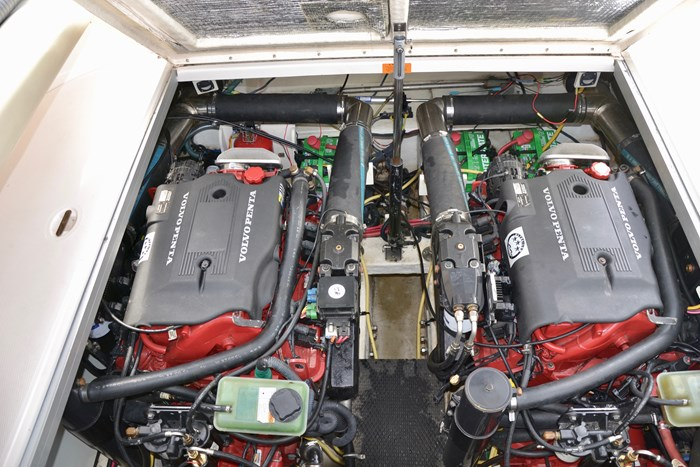 2004 Chaparral 350 Signature Photo 18 of 28