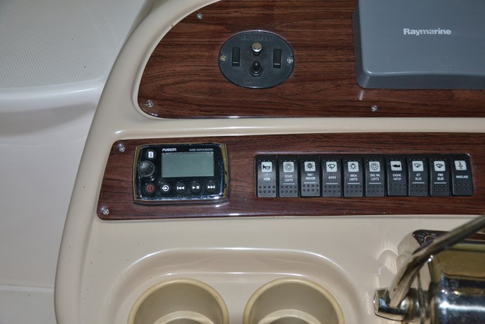 2004 Chaparral 350 Signature Photo 11 of 28