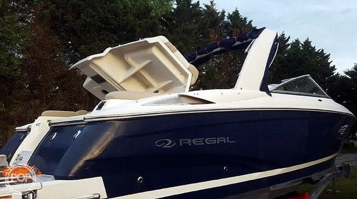 2012 Regal 2700 Photo 3 sur 21
