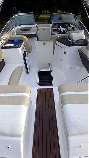 2012 Regal 2700 Photo 8 sur 21