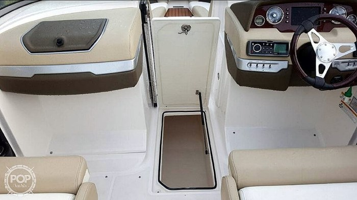 2012 Regal 2700 Photo 10 sur 21