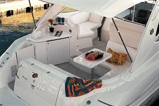 2004 Cruisers Yachts 340 Express Photo 3 sur 11