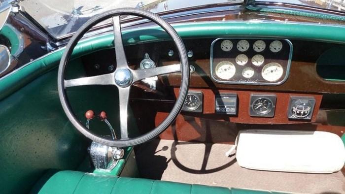1992 Gar Wood Triple Cockpit Photo 5 sur 11