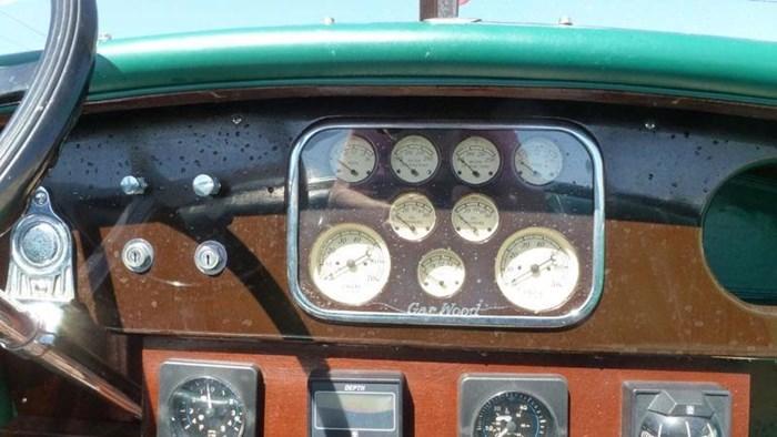 1992 Gar Wood Triple Cockpit Photo 6 sur 11