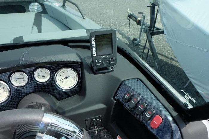 2020 Lowe FS 1700 Merc 115HP Trailer Fish Finder Stereo Photo 10 of 25