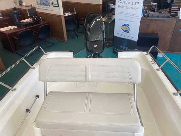 2021 Boston Whaler 150 Montauk Photo 2 sur 6