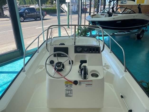 2021 Boston Whaler 150 Montauk Photo 5 sur 6