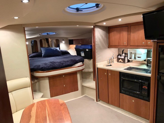 2001 Cruisers Yachts 3870 Express Photo 51 sur 61