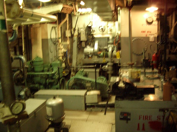 1963 121′ x 26.5′ Steel Hull Scallop Dragger – PROJECT BOAT Photo 12 sur 17