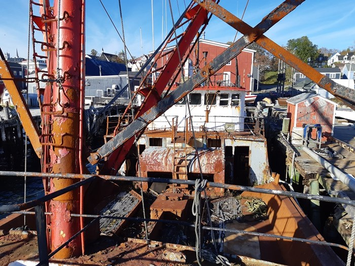 1963 121′ x 26.5′ Steel Hull Scallop Dragger – PROJECT BOAT Photo 5 sur 17
