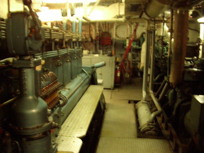 1963 121′ x 26.5′ Steel Hull Scallop Dragger – PROJECT BOAT Photo 15 sur 17