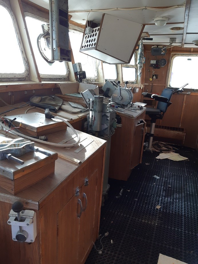 1963 121′ x 26.5′ Steel Hull Scallop Dragger – PROJECT BOAT Photo 11 sur 17