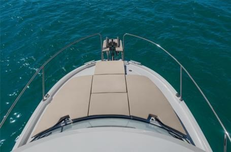 2020 Beneteau Antares 23 Photo 9 of 18