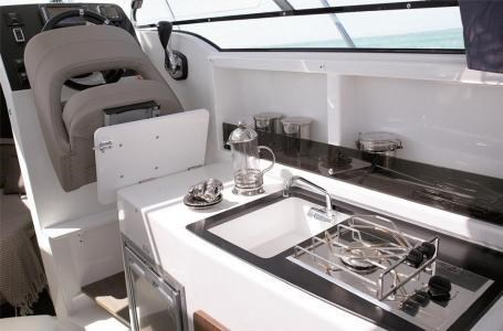 2020 Beneteau Antares 23 Photo 15 of 18
