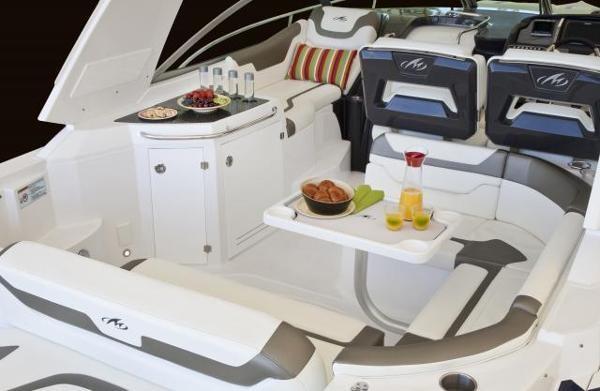 2016 Monterey 355 Sport Yacht Photo 12 of 38