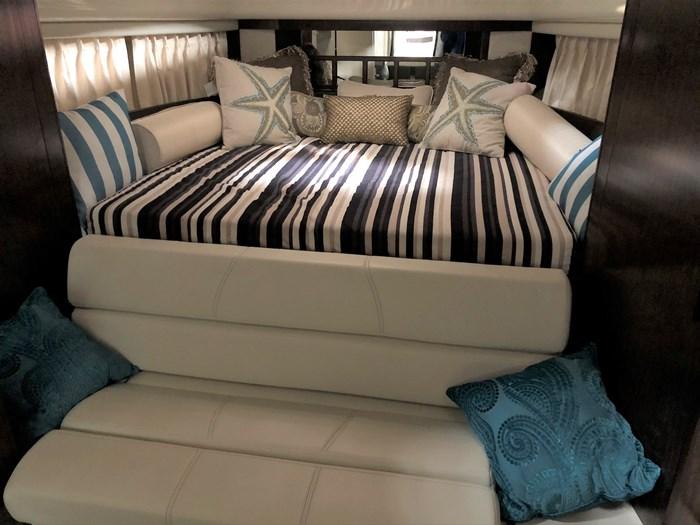 2016 Monterey 355 Sport Yacht Photo 30 of 38