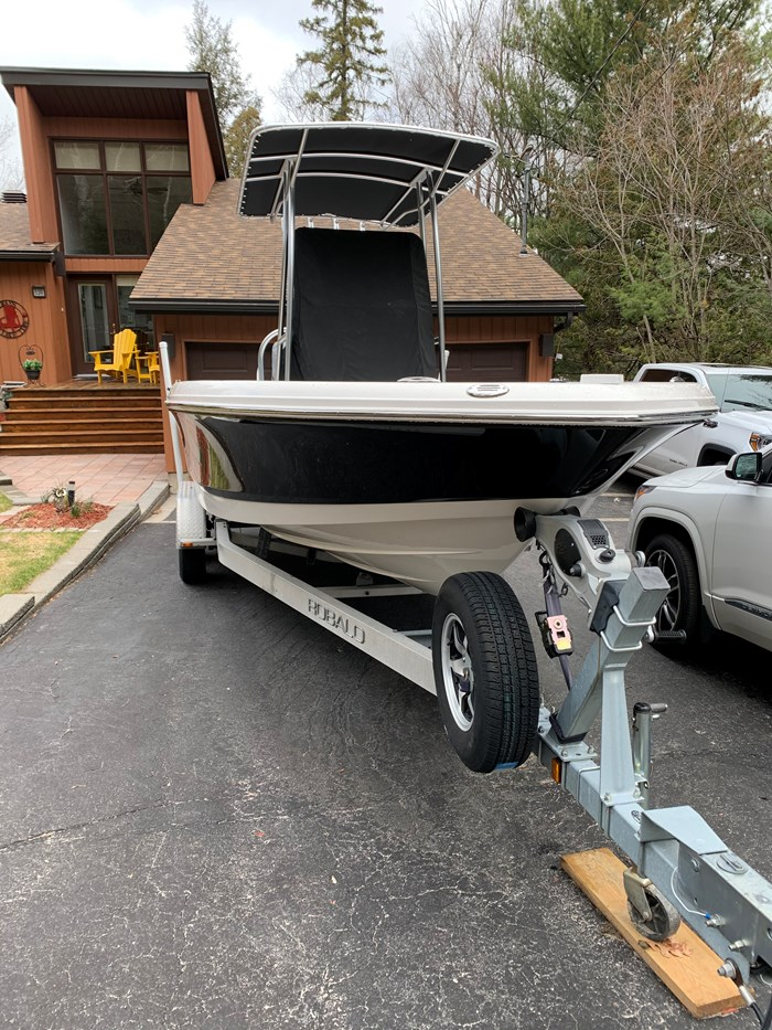 2015 Robalo 226 Caymen Photo 1 of 8