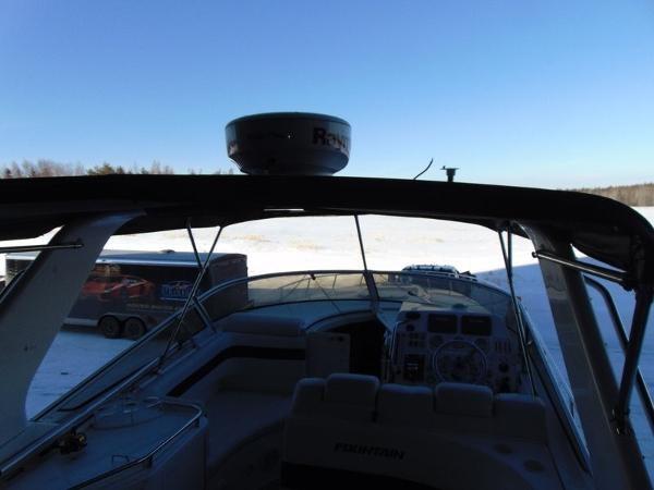 2006 Fountain Express Cruiser Photo 9 of 37