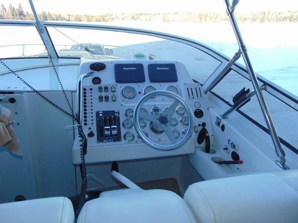 2006 Fountain Express Cruiser Photo 12 of 37