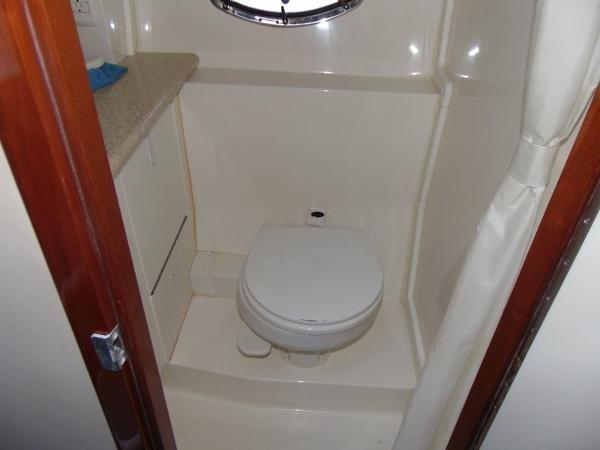 2006 Fountain Express Cruiser Photo 30 of 37
