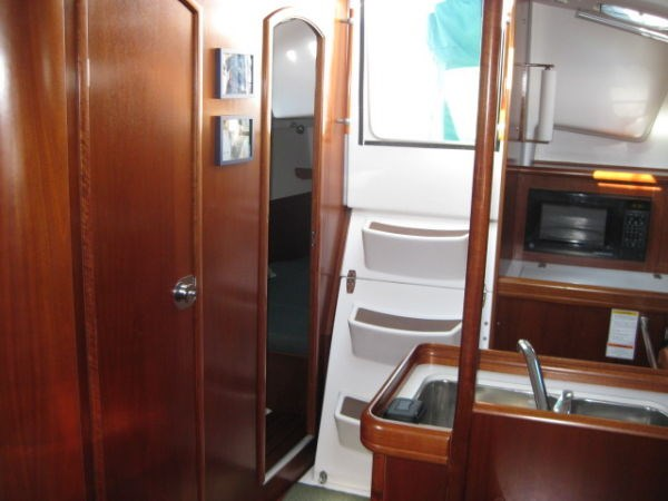 2002 Beneteau Oceanis 331 Photo 18 of 21