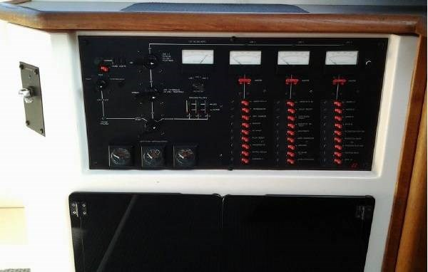 1989 Bayliner 4588 Pilothouse Photo 13 of 21