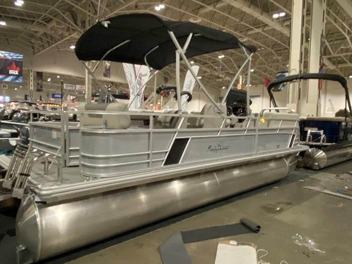 2020 SUNCHASER          Tri-Toon 22 LR SB      (Slide Bench) Photo 2 of 8