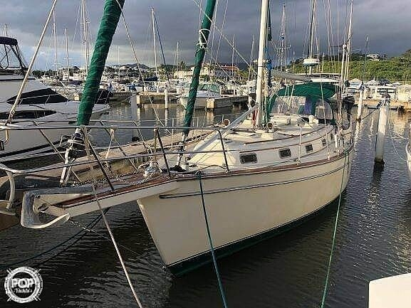 1990 Island Packet 38 Cutter Photo 13 of 20