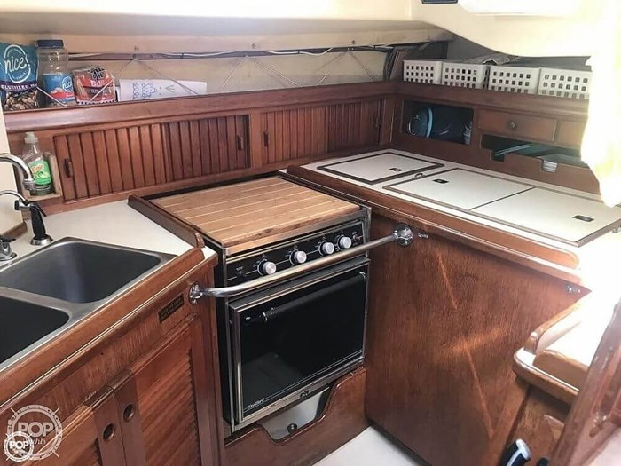 1990 Island Packet 38 Cutter Photo 4 of 20