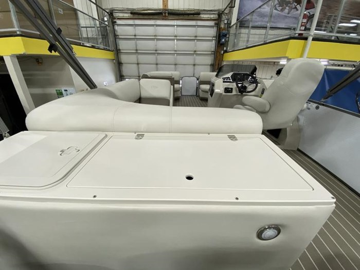 2020 Manitou Oasis Angler 22 Full Front Photo 12 of 25