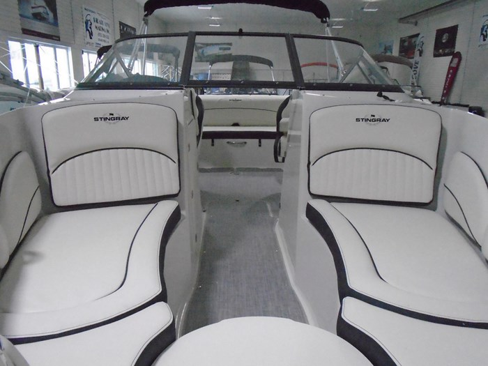 2020 Stingray 215 LR – For Sale – STR118 Photo 4 of 30